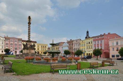 Mírové náměstí v Broumově.