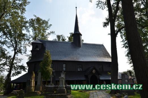 Dřevěný kostel Panny Marie.