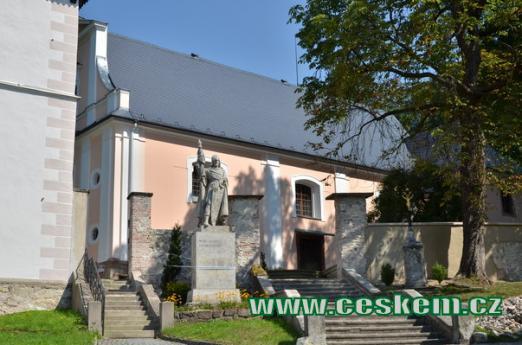 Kostel Všech Svatých.