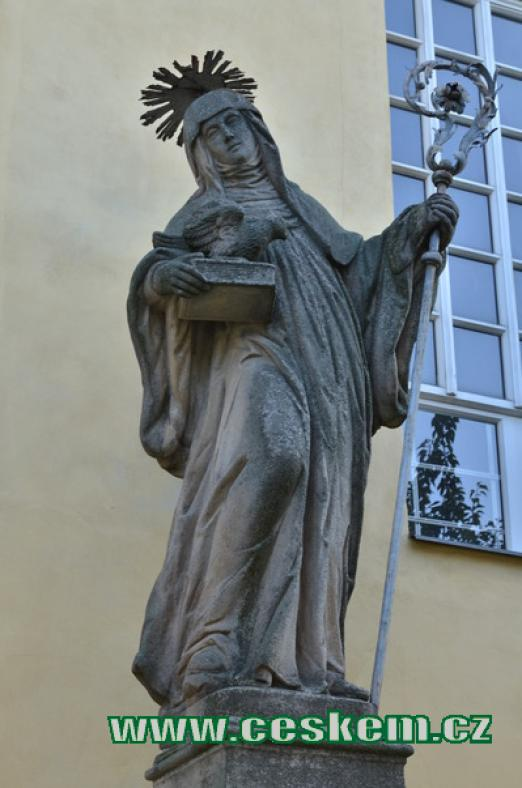 Socha sv. Scholastiky.
