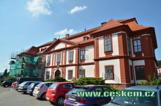 Někdejší letní sídlo broumovských opatů.