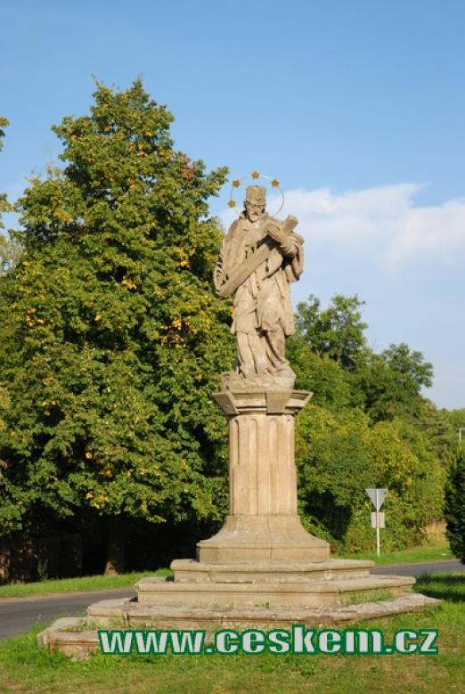 Barokní socha nedaleko kostela sv. Jiljí.