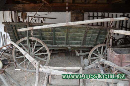 Historický vůz za koně.