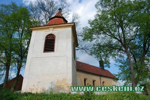 Zvonice u kostela svatého Víta.
