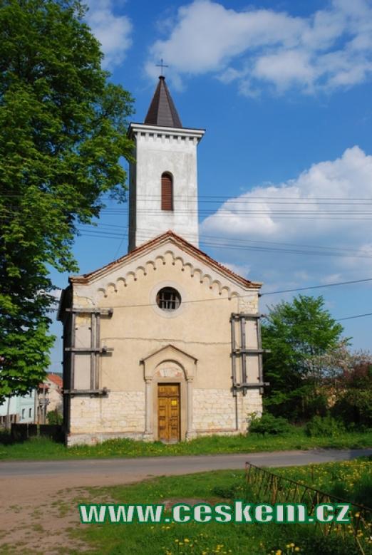 Zdejší kostelík svatého Prokopa.
