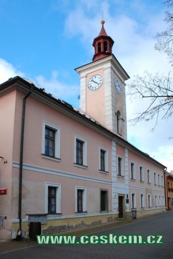 Základní umělecká škola v budově bývalé radnice.