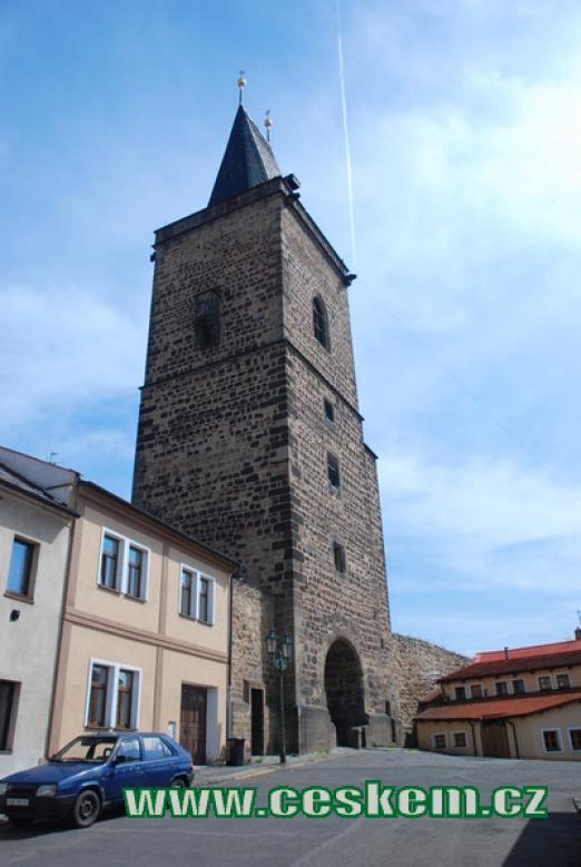 Vysoká brána je významnou dominantou města.