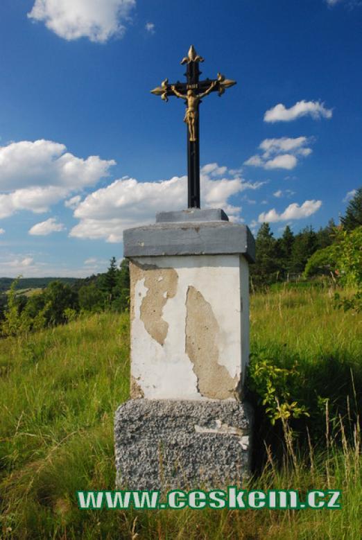 Křížek u silnice ve směru na Zbečno.