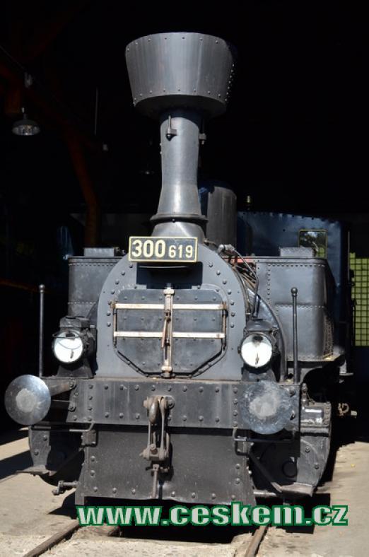 Lokomotiva řady 300 zvaná Kafemlejnek.