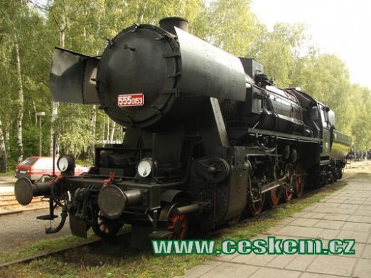 Jedna z parních lokomotiv...