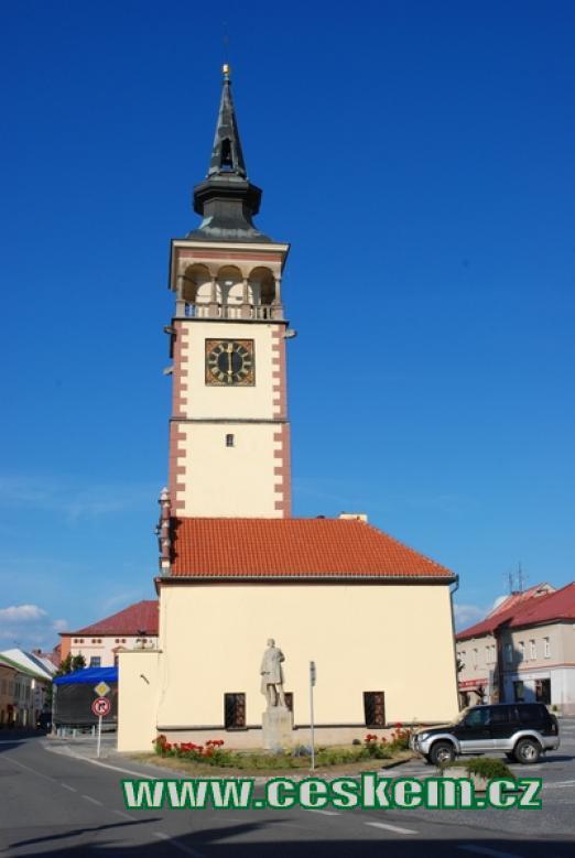 Renesanční radnice z druhé poloviny 16. století.