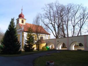 Liblín na Rokycansku - Kostel svatého Jana Nepomuckého.
