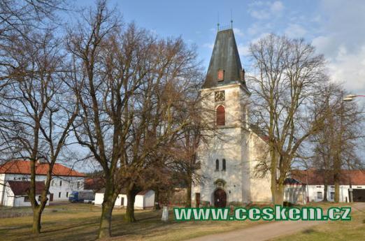 Farní kostel Nejsvětější Trojice.