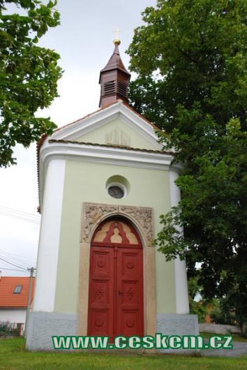 Kaplička zasvěcená sv. Václavu.