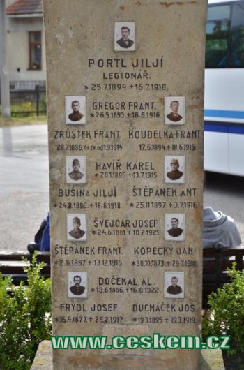 Památník padlých v detailu.