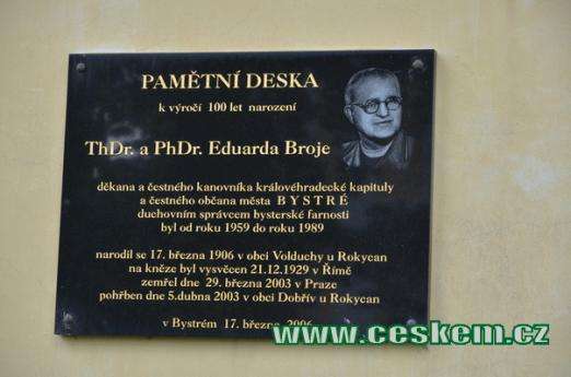 Pamětní deska na Eduarda Broje.
