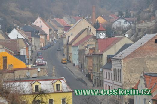 Husitská ulice z hradu.