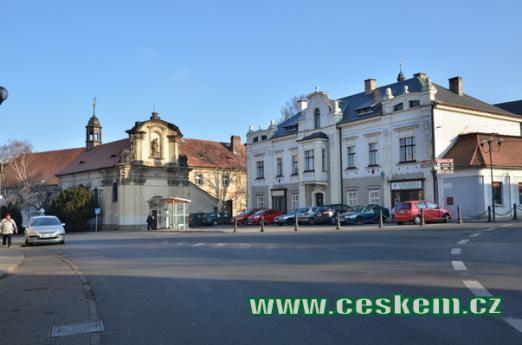 Klášterní náměstí v Oseku.
