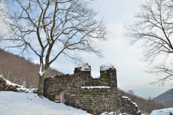 Osek (Rýzmburk) - Sedlová věžička.