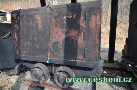 Důlní vozík.