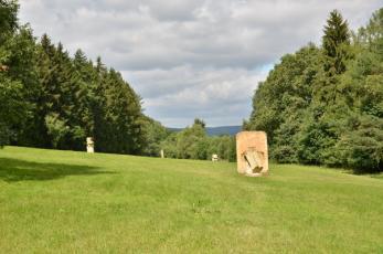 Křížová cesta 21. století na Trutnovsku - Moderní sochařství v krajině.