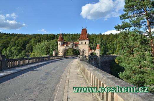 Silnice od Dvora Králové na Hostinné.